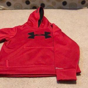 Boys Youth Under Armour hoodie.   Size Medium